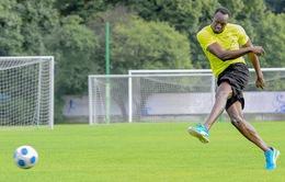"""""""Tia chớp"""" Usain Bolt chạm tay vào ước mơ trở thành cầu thủ chuyên nghiệp"""