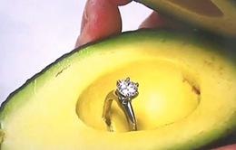 Trào lưu giấu nhẫn cầu hôn trong quả bơ của giới trẻ Mỹ