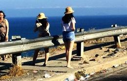 Tái diễn nạn xả rác bừa bãi tại đèo Cù Hin, Khánh Hòa
