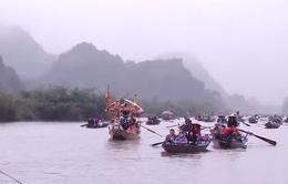 Sẽ xử lý đò chở khách quá tải ở chùa Hương