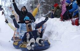Thú vị cuộc thi những chiếc xe trượt tuyết kỳ lạ tại Nga