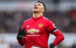 """Hậu đại chiến Chelsea Mourinho ra mặt bênh """"người vô hình"""" Sanchez"""