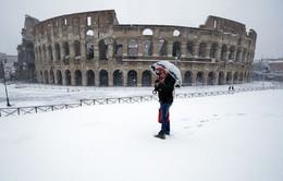 Bão tuyết bất thường ở Italy, giao thông, du lịch bị đình trệ