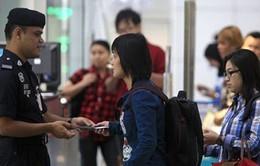 Malaysia: Chủ lao động sẽ bị truy tố nếu bắt công nhân đóng thuế levy