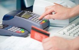 Từ 1/3, người đủ 15 tuổi sẽ được dùng thẻ tín dụng