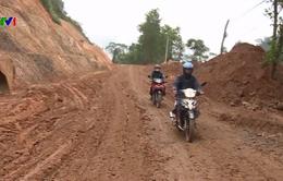 Quốc lộ 40B đi Kon Tum hư hỏng nghiêm trọng