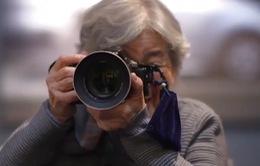 Cụ bà mê chụp ảnh gây sốt mạng xã hội