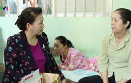 Chủ tịch Quốc hội thăm, tặng quà và chúc Tết tại Tiền Giang