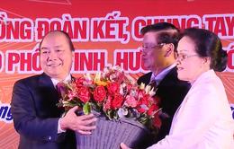 Thủ tướng Nguyễn Xuân Phúc và Thủ tướng Lào tham dự Tết Cộng đồng