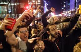 Mỹ: Người dân Philadelphia ăn mừng chiến thắng khiến giao thông tắc nghẽn