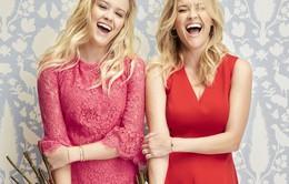"""Bất ngờ với vẻ ngoài như """"song sinh"""" của mẹ con Reese Witherspoon"""