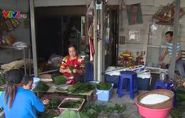 Phong phú thị trường hàng Tết phục vụ người Việt tại Lào