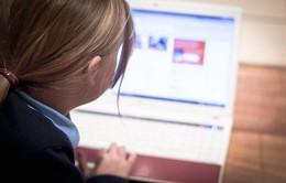 Mẹo giúp các bậc cha mẹ định hướng cho con cái trong thế giới Internet