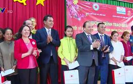Thủ tướng thăm, tặng quà Tết cho người dân, công nhân nghèo tỉnh Đăk Lăk