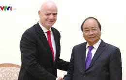 Thủ tướng tán thành dự án bóng đá học đường tại Việt Nam của FIFA