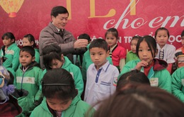 Trao tặng 350 áo ấm đến các em học sinh dân tộc tỉnh Lai Châu