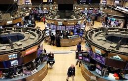 Chứng khoán Mỹ ghi nhận tháng giao dịch tệ nhất trong vòng 2 năm qua