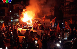 """""""Rừng"""" cờ hoa trên đường phố mừng kỳ tích của U23 Việt Nam"""