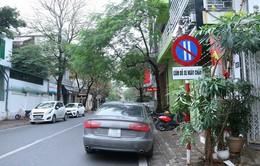 TP.HCM: Tăng phí dừng đỗ xe lòng, lề đường là hợp lý