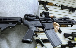 Apple, Amazon đối mặt với sức ép từ những người phản đối súng đạn tại Mỹ