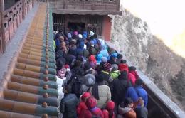 Nét đẹp văn hóa đi lễ chùa đầu năm của người Trung Quốc
