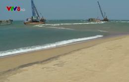 """100 tàu cá bị """"nhốt"""" bên trong cửa biển Đà Diễn, Phú Yên"""