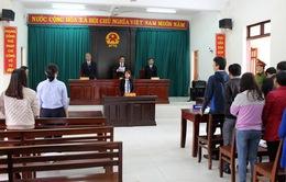 Hoãn xét xử lần 2 vụ chấm dứt hợp đồng lao động với giáo viên Tây Hòa, Phú Yên