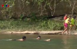 Quảng Ngãi: Cảnh báo trẻ em đuối nước khi theo cha mẹ ra đồng