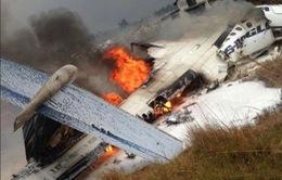 Hiện trường vụ máy bay rơi làm ít nhất 50 người đã thiệt mạng ở Nepal