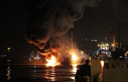 Khắc phục vụ cháy tàu chở xăng Hải Hà 18