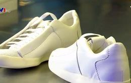 Giày tái chế từ khí CO2