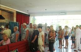 Công dân Nga ở Khánh Hòa bỏ phiếu sớm bầu Tổng thống Nga