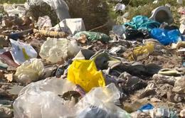 Những ngôi làng ngập tràn rác thải túi nilon trên vùng đất Ninh Thuận