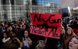 Học sinh Mỹ xuống đường biểu tình phản đối bạo lực súng đạn
