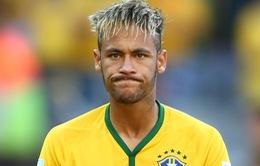 """Neymar nhận """"bão"""" chỉ trích vì bắt chước Stephen Hawking"""