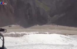 Lở đá tại bãi biển Bồ Đào Nha