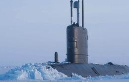 Tàu ngầm Anh đến Bắc Cực