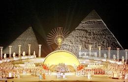 Biểu diễn opera dưới chân kim tự tháp Ai Cập