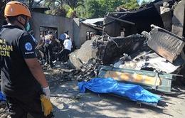 Máy bay lao vào nhà dân ở Philippines, ít nhất 10 người thiệt mạng
