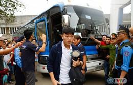 ẢNH: Cầu thủ HAGL và CLB Hải Phòng đã tới sân Lạch Tray