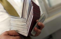EU cảnh báo siết chặt cấp thị thực ngăn di cư