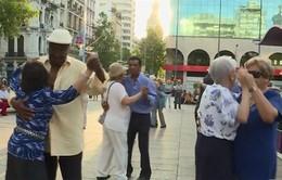 Điệu nhảy Tango - Phương thuốc tuổi già tại Uruguay