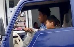 Làm rõ và xử lý nghiêm chủ xe ô tô tải cho trẻ lái xe