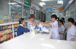 Nhiều người chưa nắm rõ quy định phải trình CMND khi mua thuốc cho trẻ nhỏ