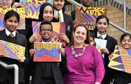 Cô giáo người Anh đầu tiên được trao giải thưởng Giáo viên toàn cầu 2018