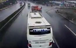 Xác định rõ tốc độ xe khách va chạm với xe cứu hỏa trên cao tốc Pháp Vân