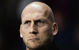 Huyền thoại Man Utd nhận trát sa thải từ CLB hạng Nhất