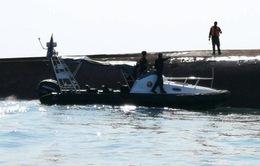 Tàu khai thác cát của Trung Quốc gặp nạn, 14 người mất tích