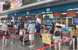 Các hãng hàng không liên tục giảm giá vé máy bay