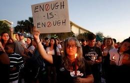 Hàng trăm nghìn học sinh Mỹ tuần hành đòi kiểm soát súng đạn